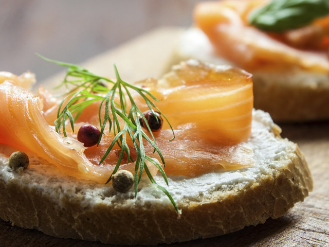 Food Trends For Weddings 2017: From Edible Card Names To Roast Dinner Canapés