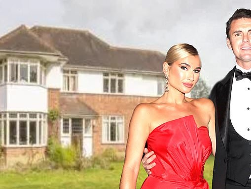 Neighbours oppose Billie Faiers' home renovation plans