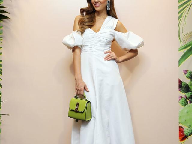 Jessica Alba Rocks Green, White & Red For Her Italian Honest Beauty Meet & Greet