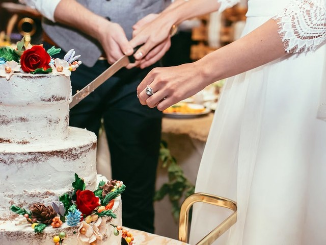 10 wedding trends that should never come back, according to experts