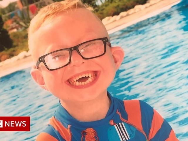 Logan Jones inquest: Hospital staff 'failed' boy, 8