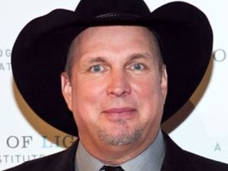 Points of Light Will Recognize Garth Brooks With Inaugural Award for Caring and Compassion