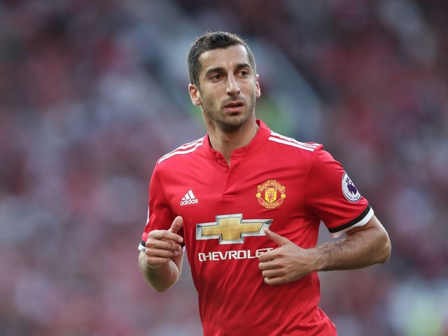 Henrikh Mkhitaryan agrees to Arsenal move in straight swap for Alexis Sanchez