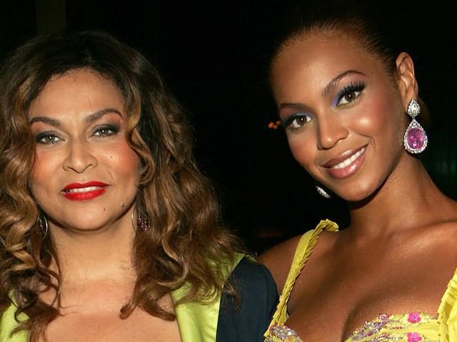 Beyonce Sends 'Big Texas Hugs' to Mom Tina on Mother's Day