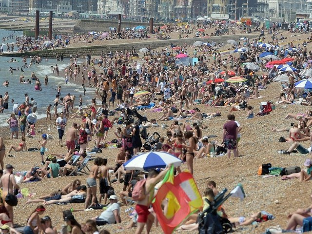 UK weather forecast: Met Office issues level 3 heatwave warning for Bank Holiday