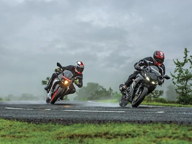 Review: KTM RC 125 vs Yamaha YZF-R15 V3.0 comparison
