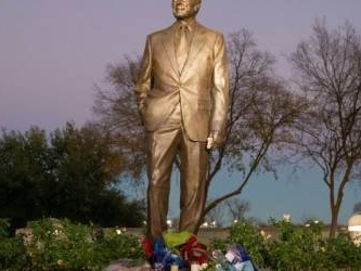 America mourns George H.W. Bush, dead at 94