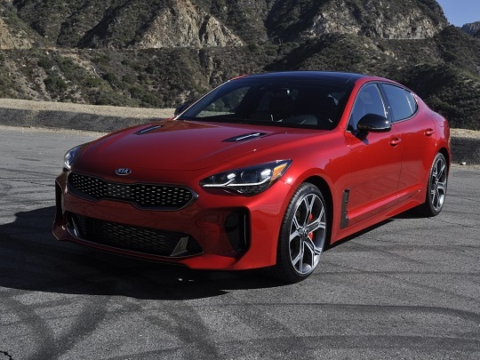 How Many Gas Pumps Can a Stinger Pass? Kia Releases EPA Info