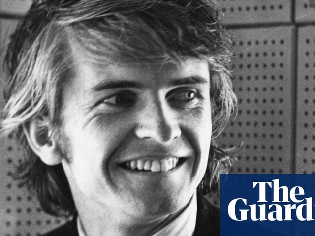 Ronan O'Rahilly, Radio Caroline founder who inspired UK pop and pirate radio, dies aged 79