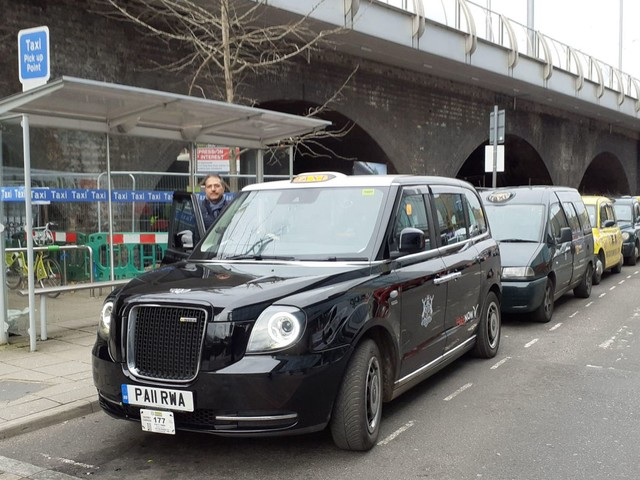 Wireless charging for electric taxis to be trialled in UK