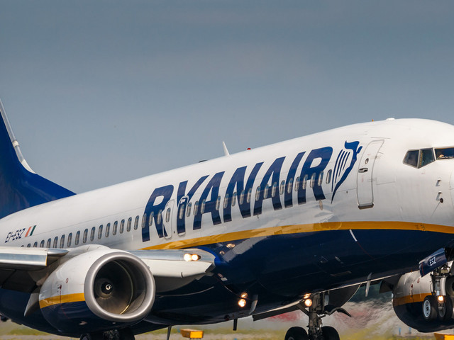 Ryanair Pilots Reject 'Sticking Plaster' Bonuses After Airline Asks Them To Work Extra Shifts