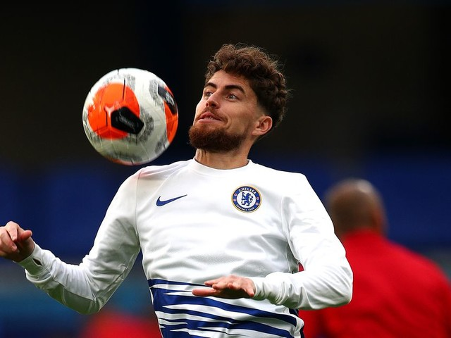 Jorginho doesn't know anything either about Juventus, Chelsea, or why he isn't playing