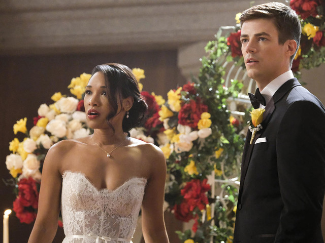 The CW's Superhero Crossover: Nazis Crash a Wedding in the Extended Trailer