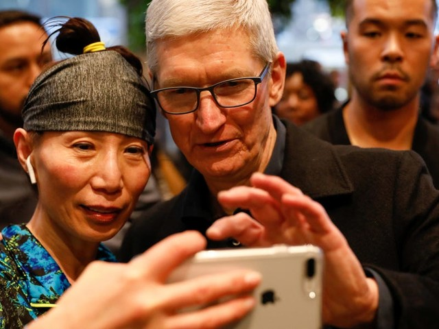 Apple just disclosed that it loses money on device repairs every year (AAPL)