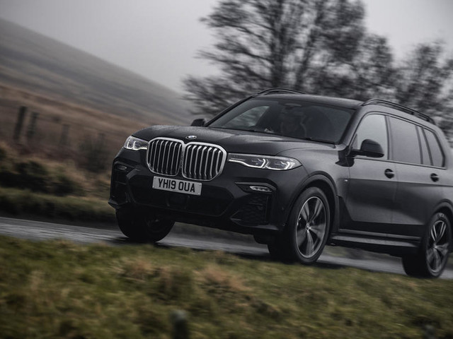 BMW X7 xDrive30d M Sport 2019 UK review