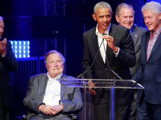 Former US presidents gather for hurricanes fundraiser