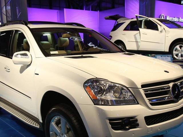Mercedes-Benz maker's shares down after profit warning