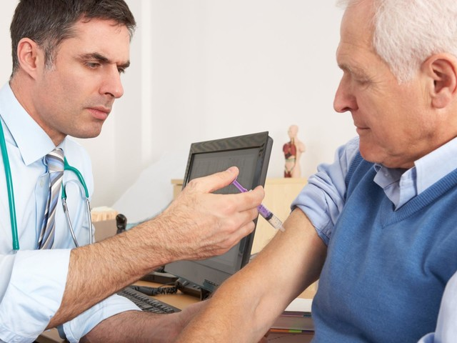 Reminder for at-risk residents to look out for flu jab invites