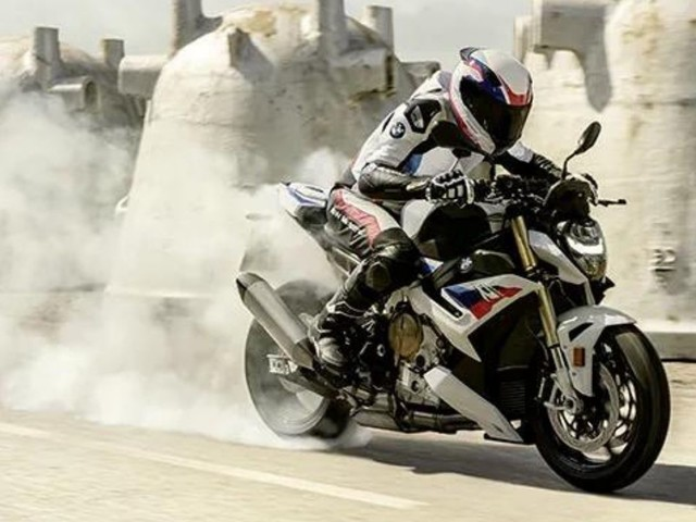 2021 BMW S1000R Launched In India; Priced At Rs. 17.90 Lakh