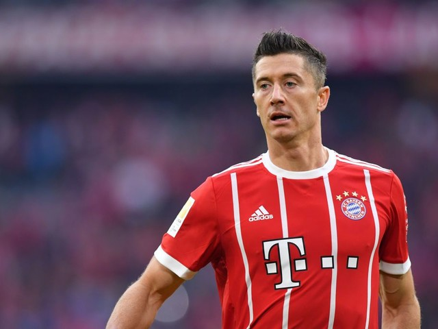 Real Madrid, Man Utd & Chelsea target Robert Lewandowski taking language lessons ahead of dream move