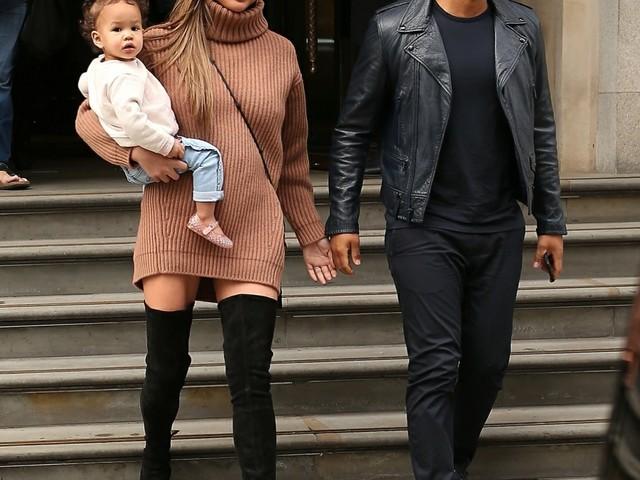"""""""John Legend & Chrissy Teigen are expecting again"""" Thanksgiving links"""