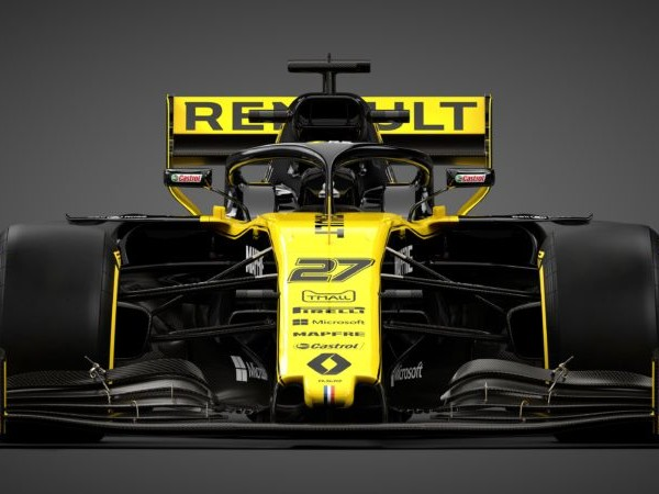 Renault F1 take the covers off the R.S.19