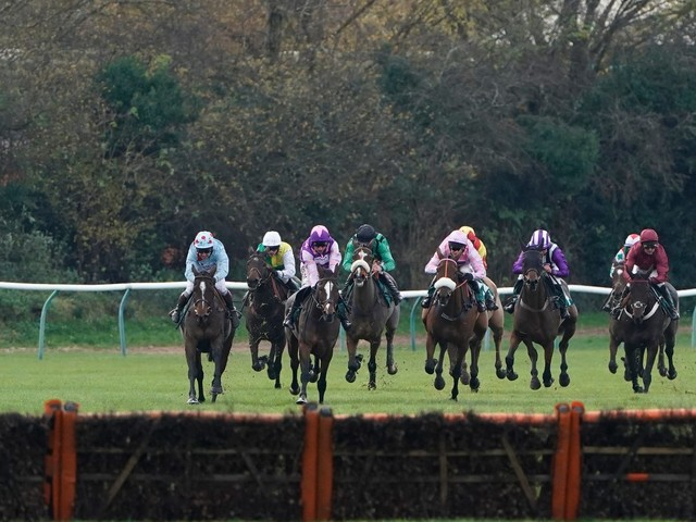 Newspaper tips: Sun Racing's Each-Way Thief and today's horse racing NAPs on Thursday