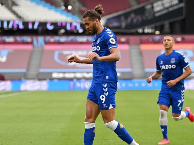 Dominic Calvert-Lewin disagrees with Sky Sports after Allan claim