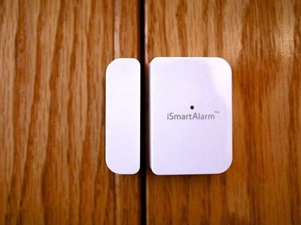 Intuitive Entryway Alarm Sensors - The 'iSmartAlarm' Contact Sensor Monitors Any Openable Door (TrendHunter.com)