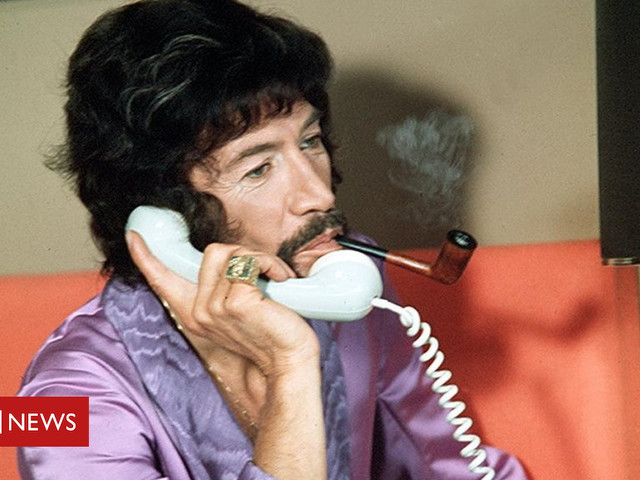Peter Wyngarde: Cult TV star who inspired Austin Powers dies aged 90