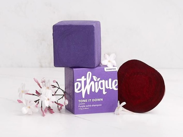 Solid Purple Shampoos - Ethique's Toning Purple Shampoo Helps to Brighten Blonde Hair & Reduce Waste (TrendHunter.com)