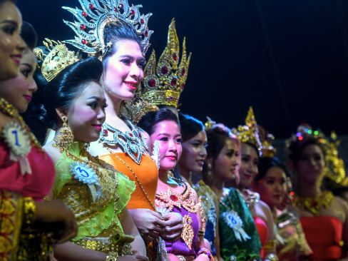 Loy Krathong and Songkran festivals need to be preserved: Nazri