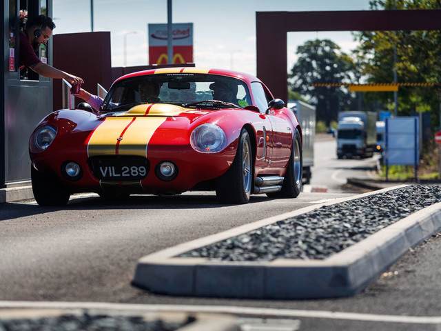 185mph on the M1: Recreating Jack Sears' famous drive in an AC Cobra Coupe