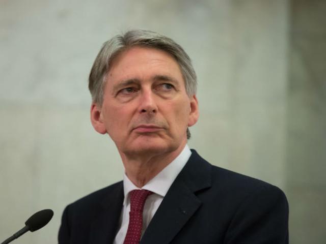 National Insurance tax U-turn: Philip Hammond nixes NIC uptick