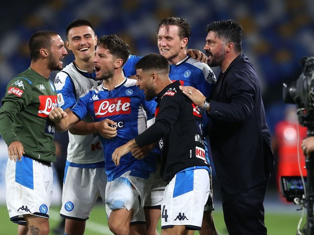 Mertens officially extends contract with Napoli, ends Chelsea speculation once and for all