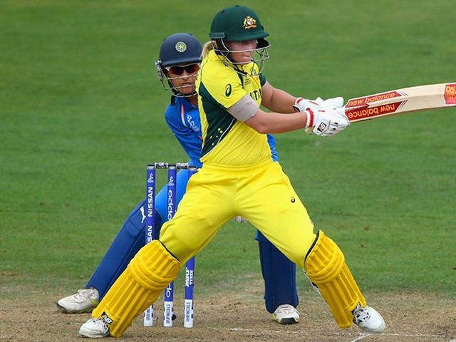 Lanning back; uncapped Molineux, Carey picked for India tour
