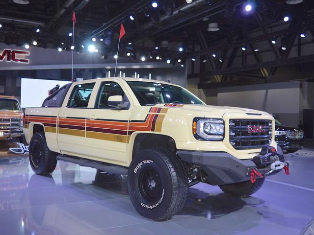 GMC Desert Fox Middle East concept showcased at the 2017 Dubai Motor Show