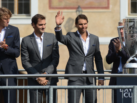 Federer, Nadal shine as rivals hobble into 2018