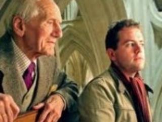 A leading organist reaches 100