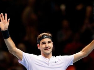 Federer through to ATP Finals semis after win over Zverev