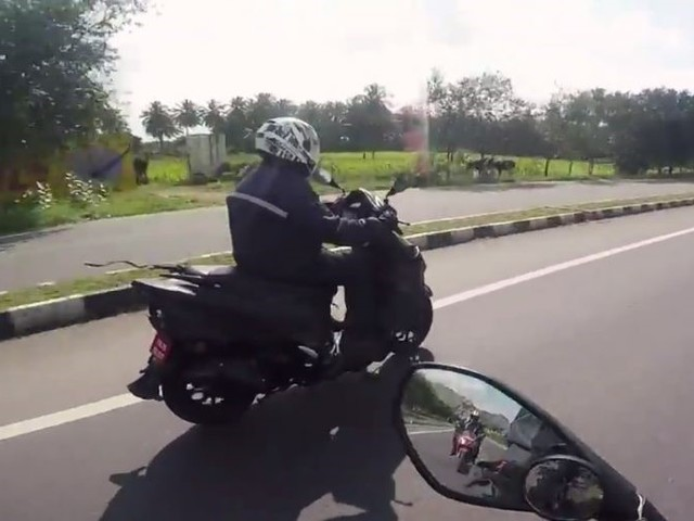 TVS Graphite 150cc Scooter Spotted Doing 110 Km/hr