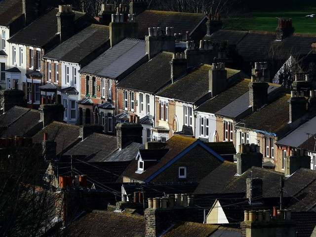 Growing numbers of people expect house prices to rise in next 12 months – survey