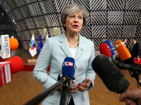 EU chief says Brexit deal 'possible but huge challenge'