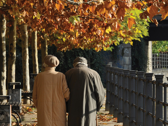 Think tank proposes raising State Pension age to 75