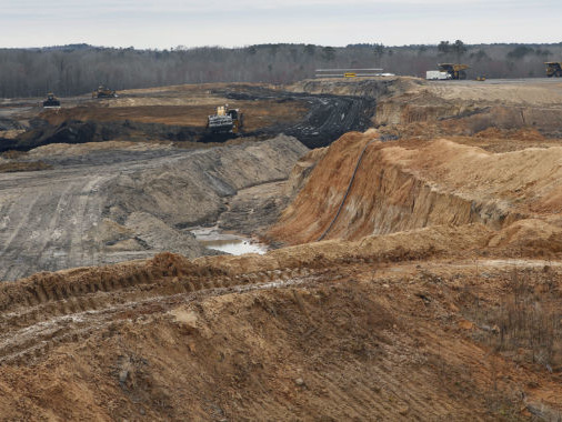 $7.5 billion Kemper power plant suspends coal gasification