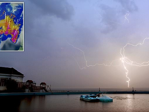 Sahara Bubble storms lash Britain with lightning as week's