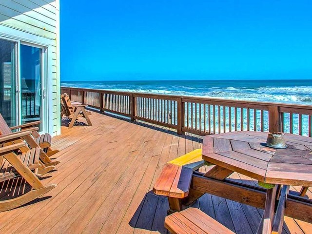 13 of the best Outer Banks vacation rentals for ocean views, beach access, and private pools