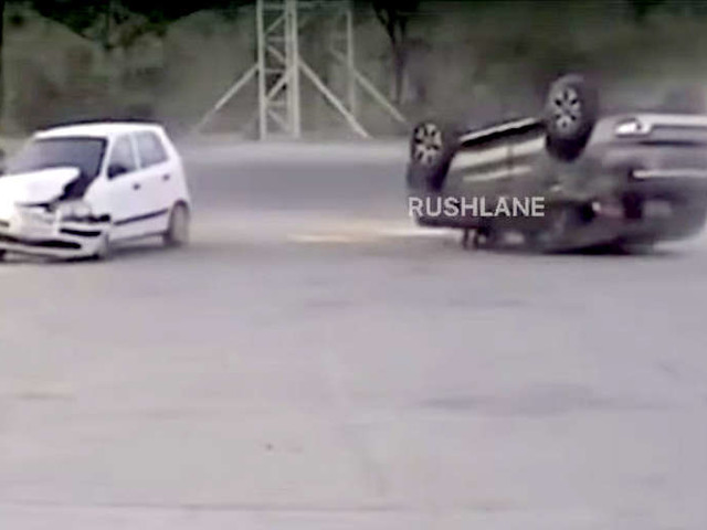 Ford Endeavour turns upside down after colliding with Hyundai Santro – Video