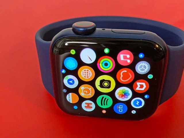 I've been using the new Apple Watch Series 6 for a few hours. These are the 5 biggest changes I noticed right away. (AAPL)