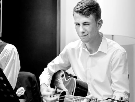 Michael Molloy Scholarship winners hold fundraiser for songwriting trip to Los Angeles